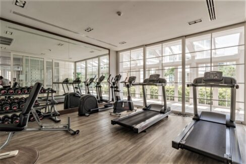 83 Summer fitness room