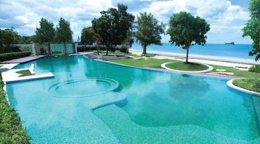 85 Wan Vayla beach pool