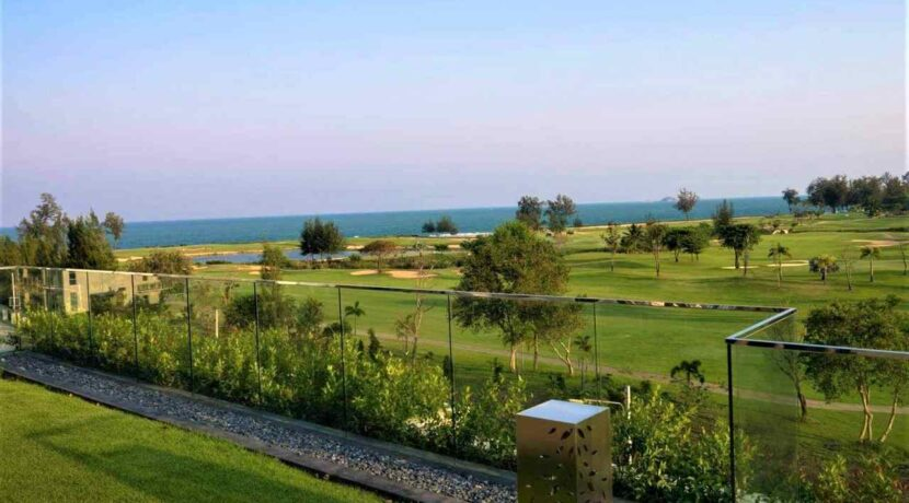 86 Garden terrace view to Sea Pines Golf