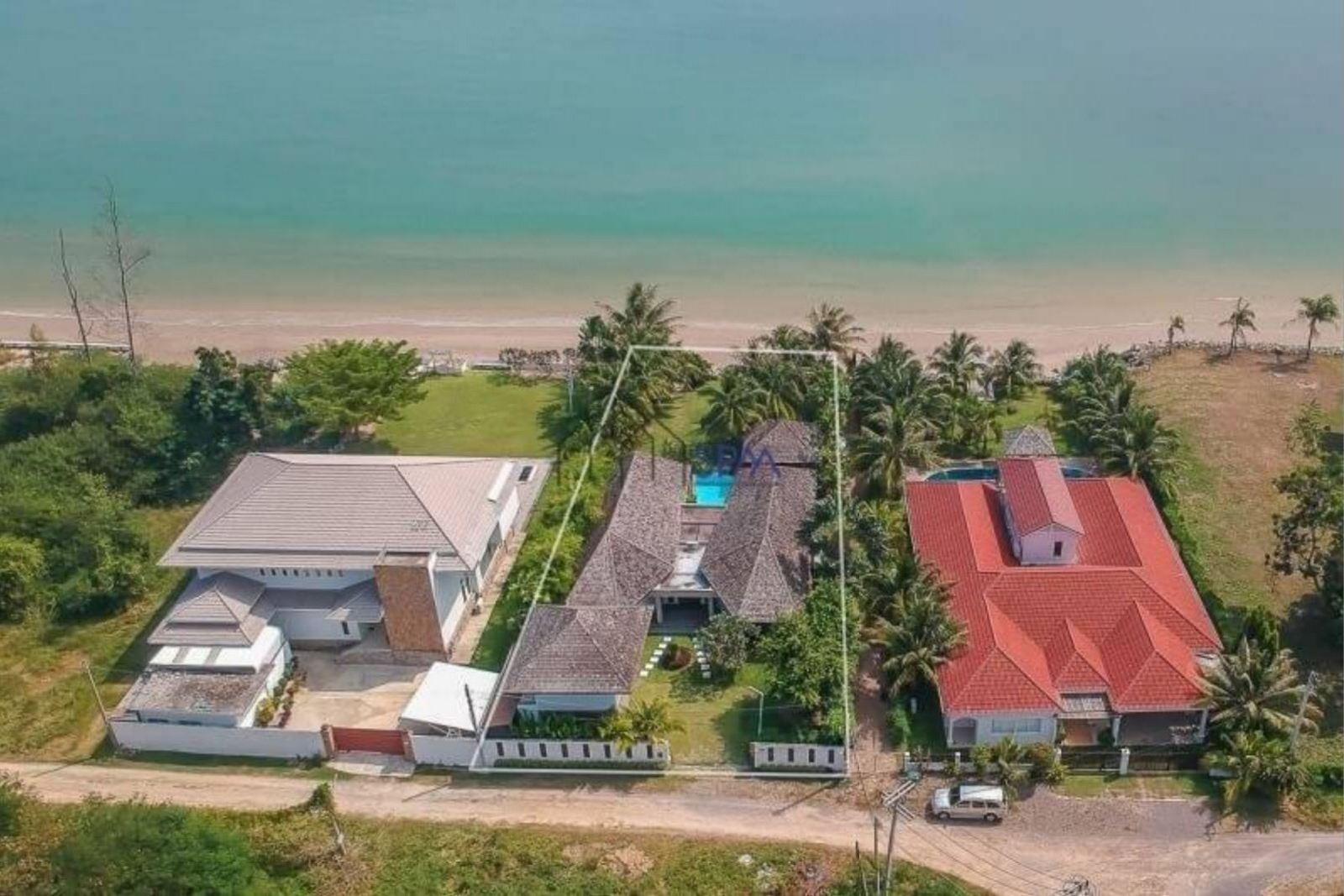 Beachfront Villa in Cha-am at Hansa Casuarina Resort