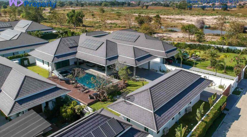 01B Exceptional pool villa exterior