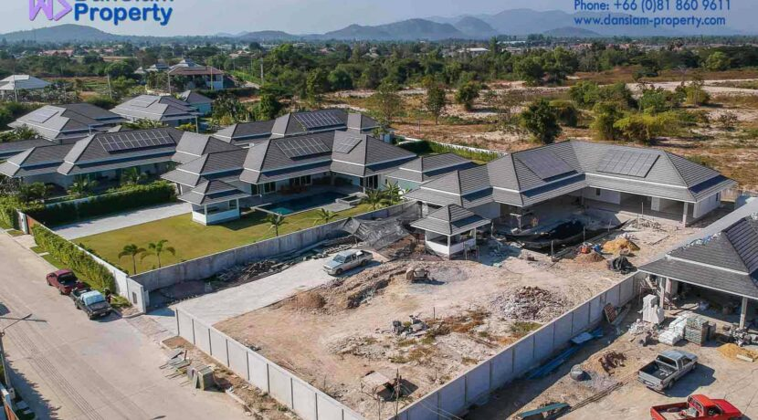 01C Exceptional pool villa