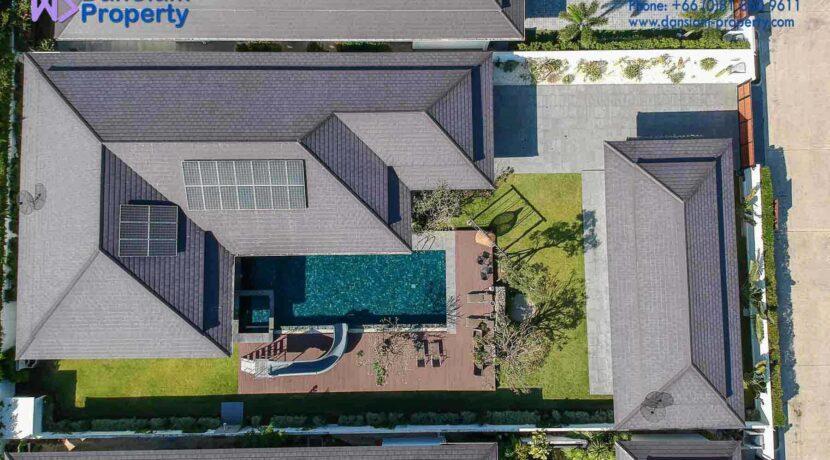 01D Exceptional pool villa exterior