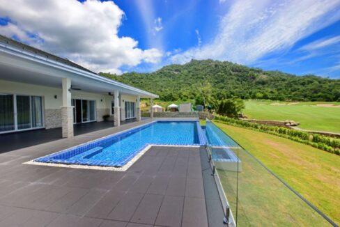 03 Luxury Golf Villa Exterior