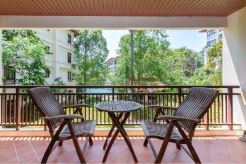 15 Large furnished balcony