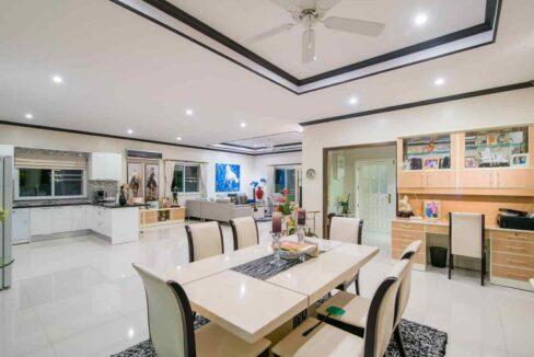 20 Ban Tawan villa interior