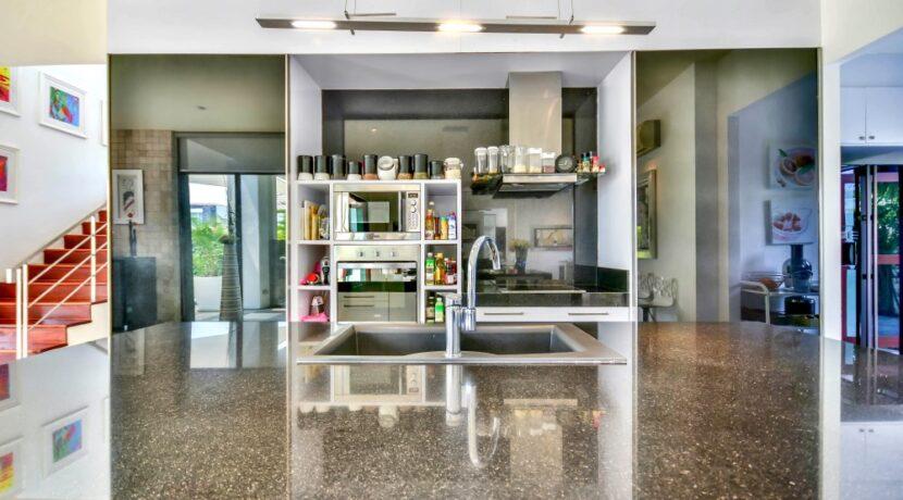 21 Phu Montra Villa Interior