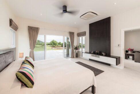 31 Luxury Golf Villa Interior
