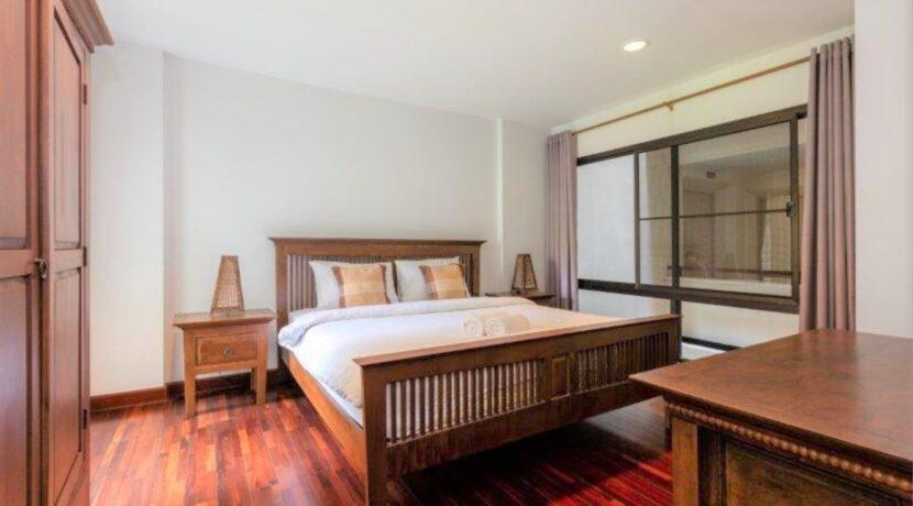 40 Spacious bedroom #2