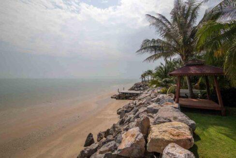 77 Beach view south
