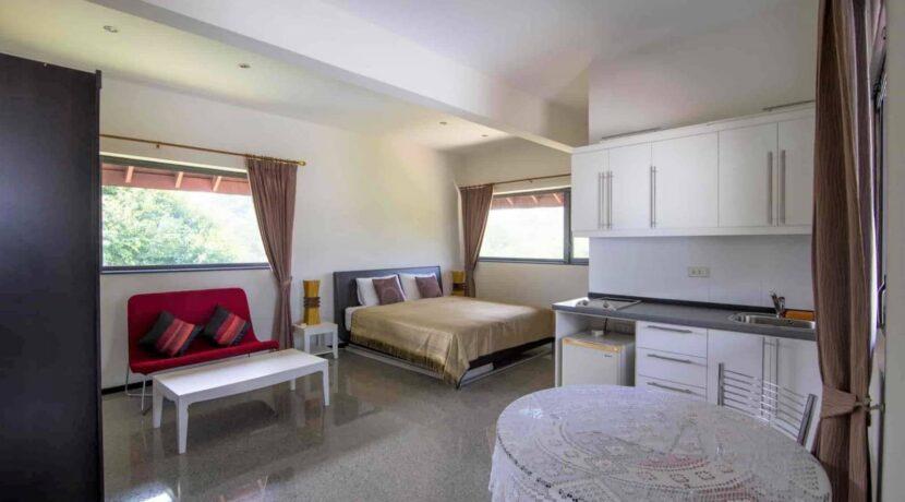 81 1st floor guest room