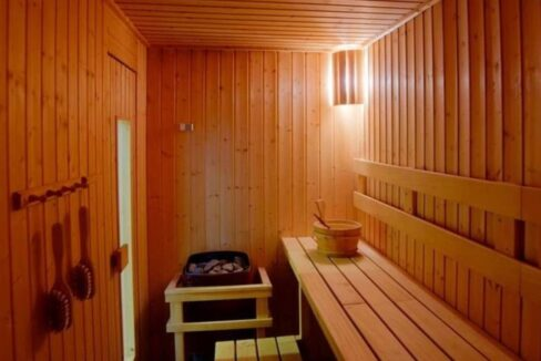 86 Sauna