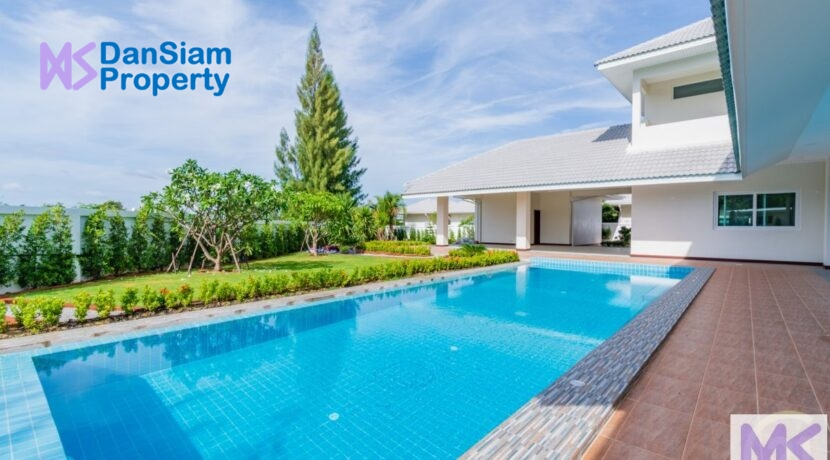 01 Large 6-Bed pool villa