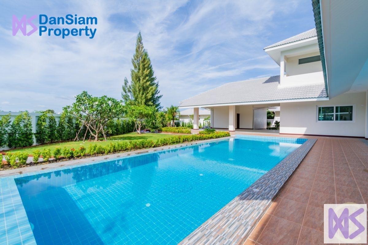 Large 6-Bedroom Pool Villa in Hua Hin at The Lees3