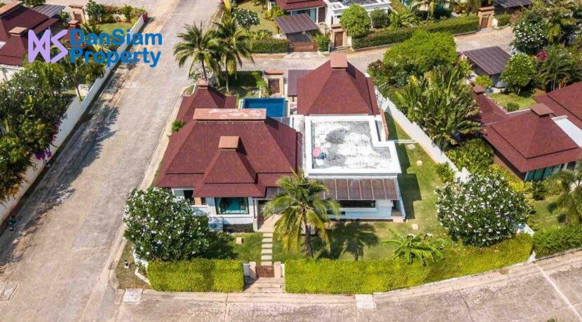 01D Exclusive Bali-style villa