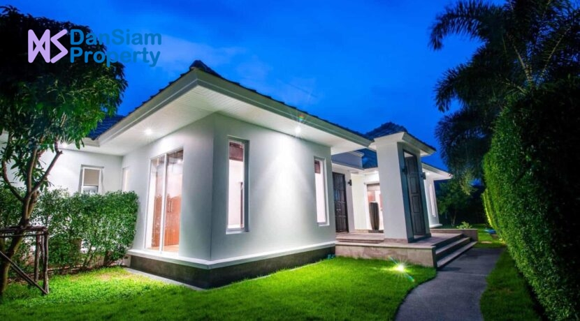 02 Luxury pool villa exterior