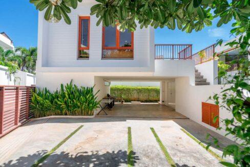 02 Pranaluxe beachfront villa