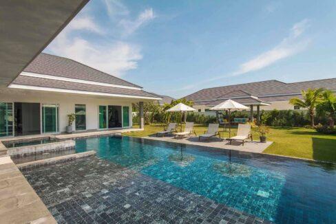 02D Exceptional pool villa