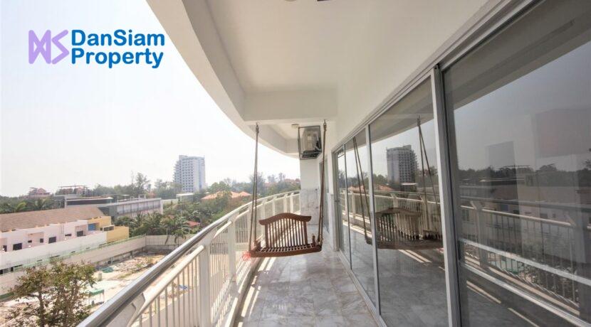 03 Condo wide balcony