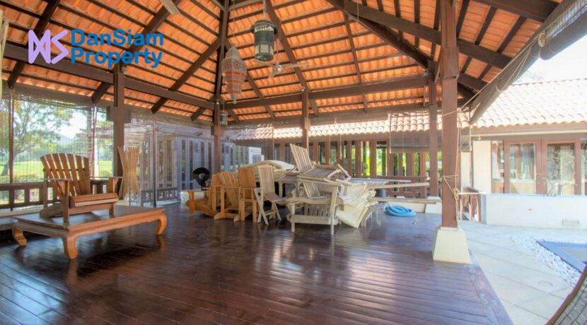 10 Living-Dining sala building