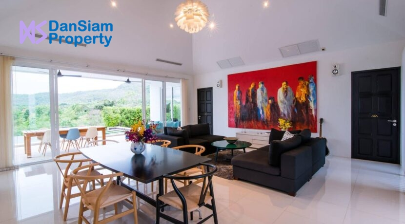 10 Luxury pool villa interior