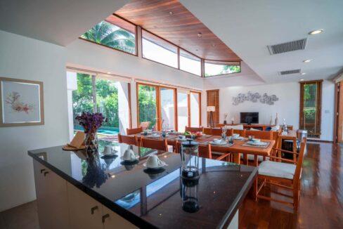 12 Living-dining pavilion