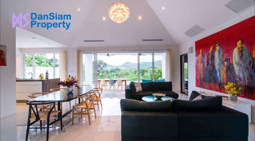 20 Luxury pool villa interior