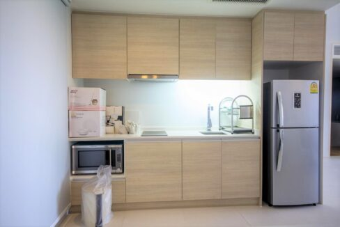21 Fully fitted kitchen