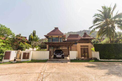 2A Villa facade with main entry