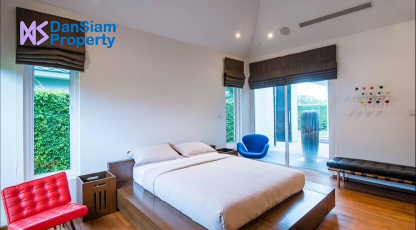40 Luxury pool villa interior