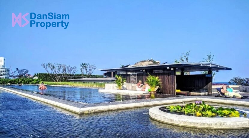 81 Communal swimming pool