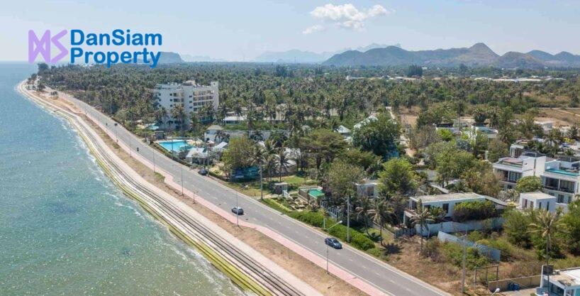 Beachfront Villa near Hua Hin at Pranaluxe Resort
