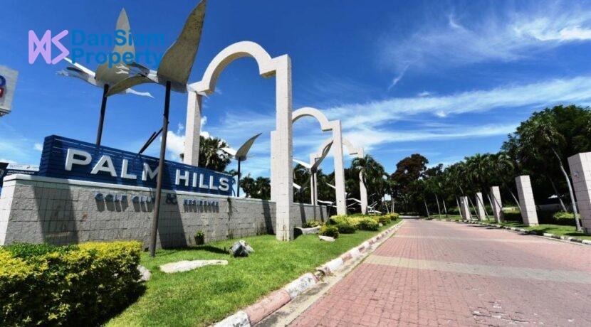 81 Palm Hills Golf Club & Residence