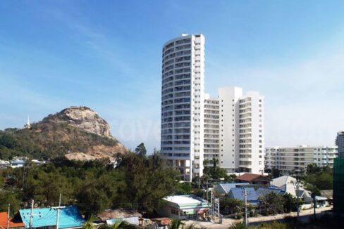 86 Jamchuree Condominium