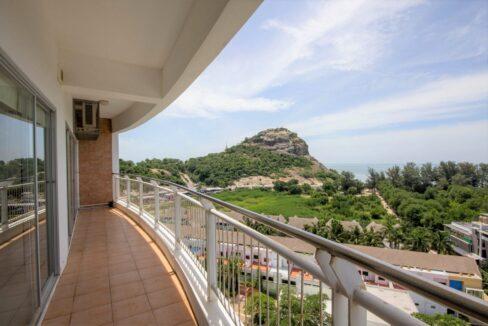 02 Condo wide balcony with great views
