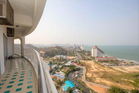 02 Stunning Sea&City view