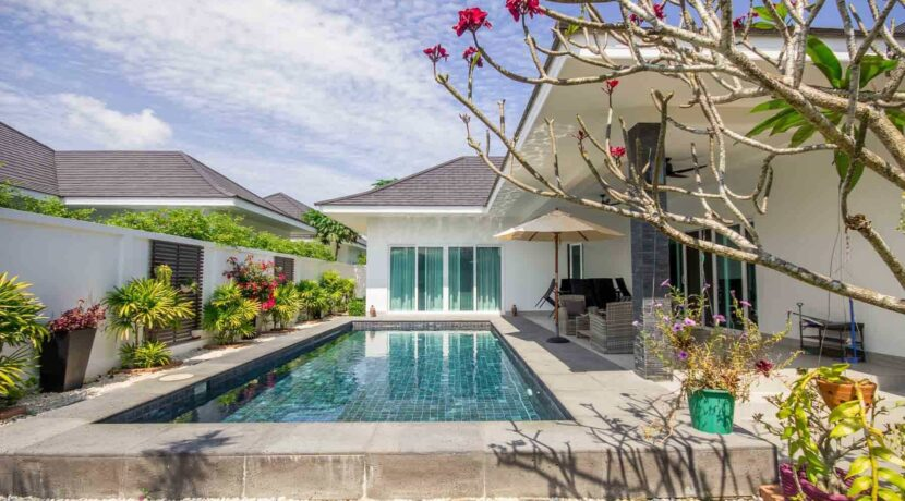 02B Luxury pool villa