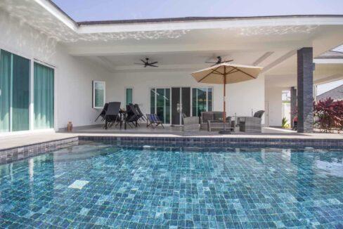 02D Luxury pool villa