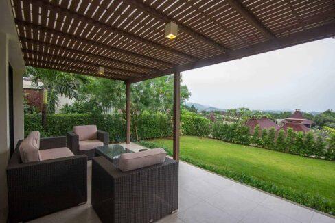 03 Beautiful Balinese villa