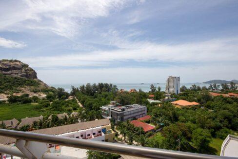 03 Condo wide balcony with great views