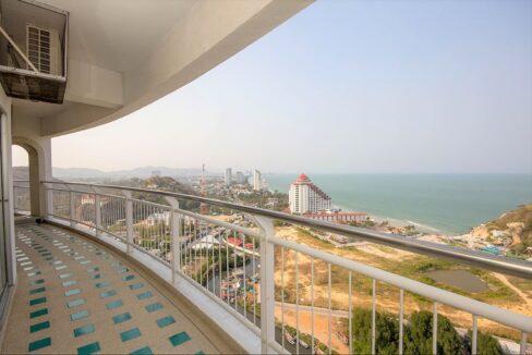 03 Stunning Sea&City view