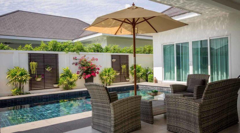 03B Furnished shadet patio