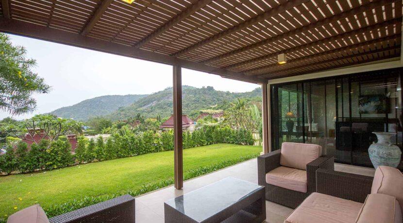 04 Beautiful Balinese villa
