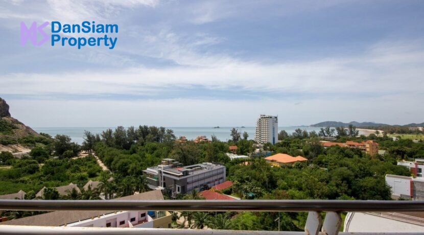04 Condo wide balcony with great views