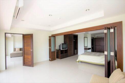 32 Bedroom section