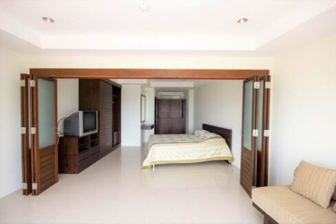 33 Bedroom section