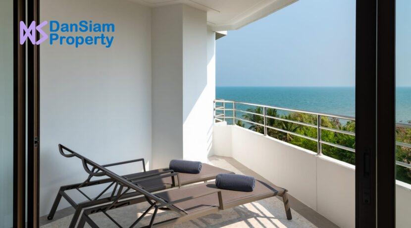 33 Large bedroom balcony