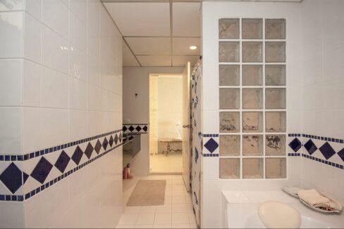 36 Master bathroom