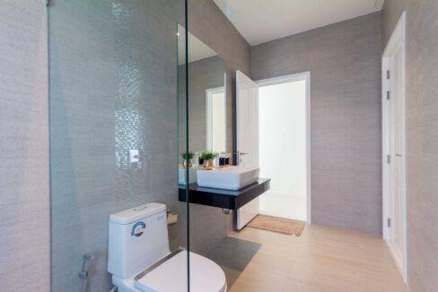55 Bathroom #3 (Shared guest washroom)