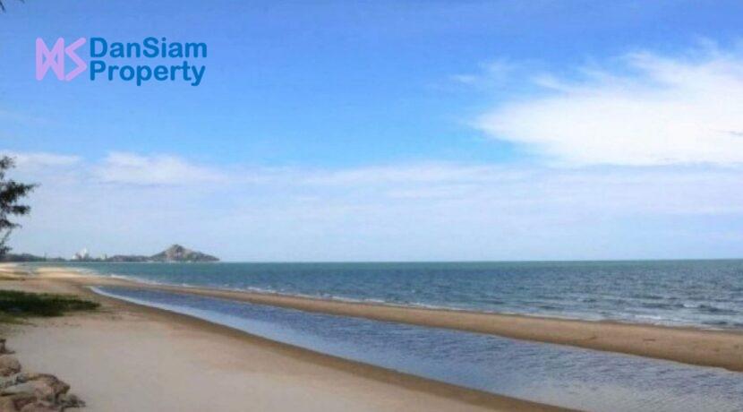 81 Direct beach access